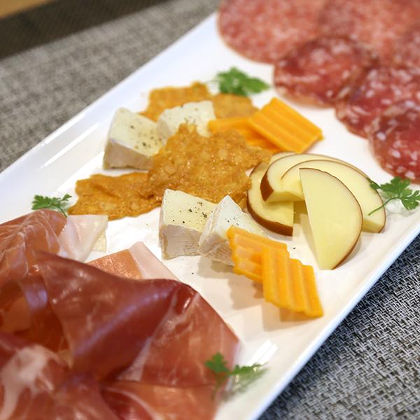 生ハム&サラミ&チーズ盛り合せ